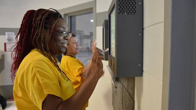 With new system, inmates at Silverdale can now file grievances electronically